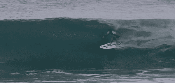 Michel Bourez lors du round 3, à la Billabong Pipe Masters, à Hawaii