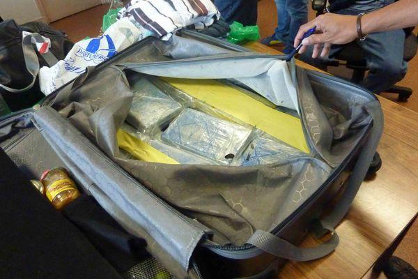 19,618 kilos de cocaïne saisis sur un voyageur en provenance de Martinique