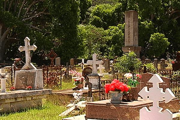 Le cimetière de Thio le 7 janvier 2014