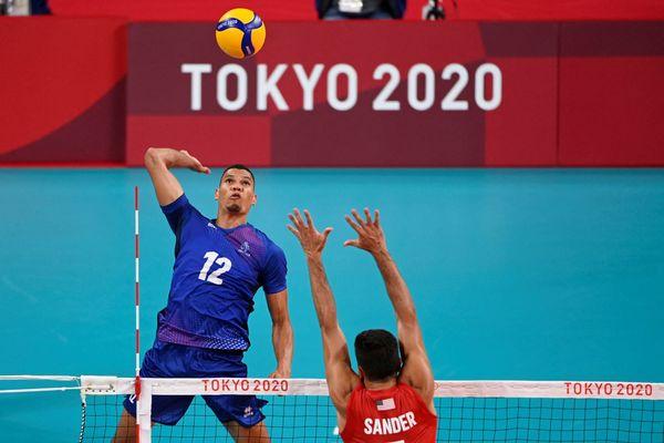 Stephen Boyer volley JO