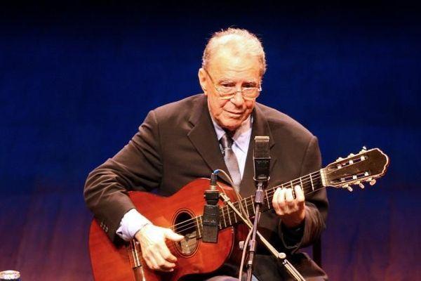 Le musicien brésilien Joao Gilberto, légende de la bossa nova, est mort à l'âge de 88 ans