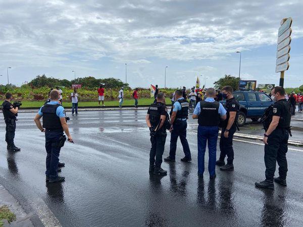Gendarmerie sur le blocage du rond-point de la Kassaverie - 08/04/2021