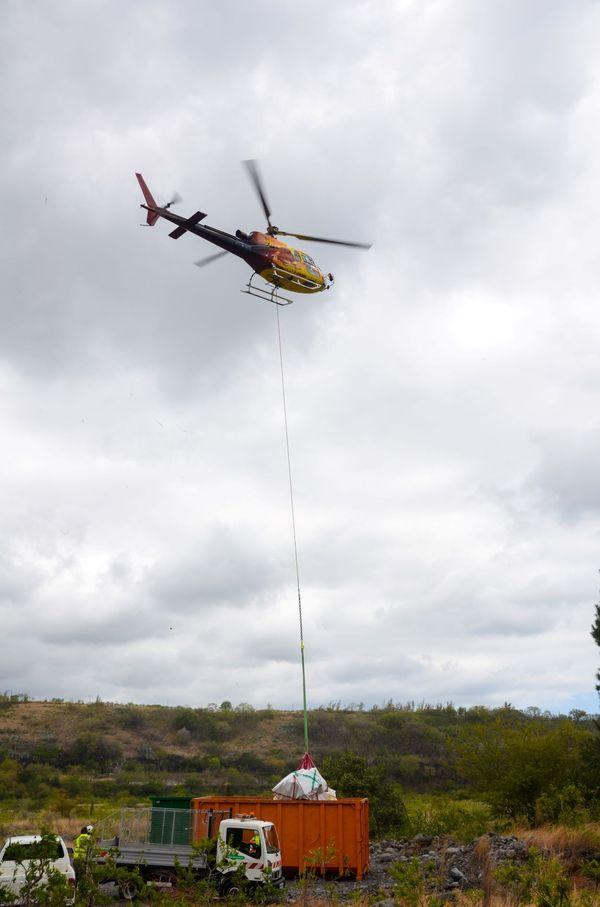 Opération d'enlèvement d'encombrants et de déchets dangereux à Mafate