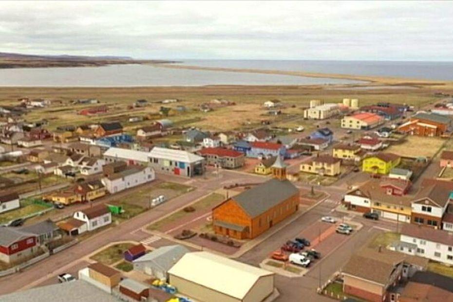 Saint-Pierre et Miquelon la 1ère - cover