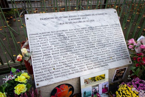 Stèle 13 novembre 2015