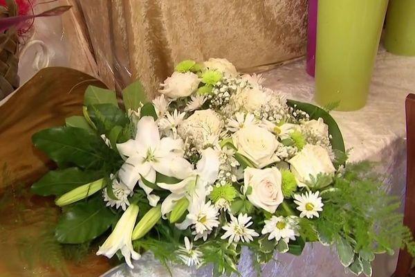 Fleurs et deuil - composition florale