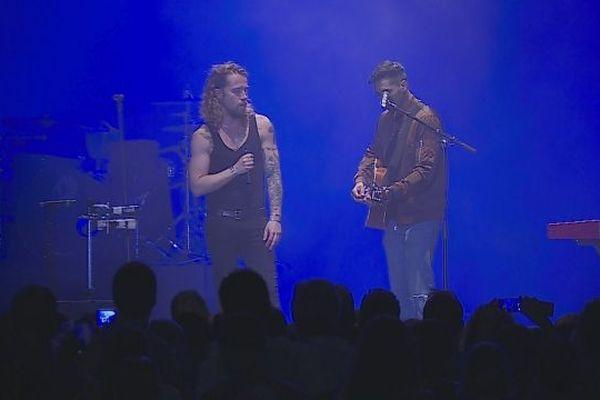 Julien Doré chante Bobby