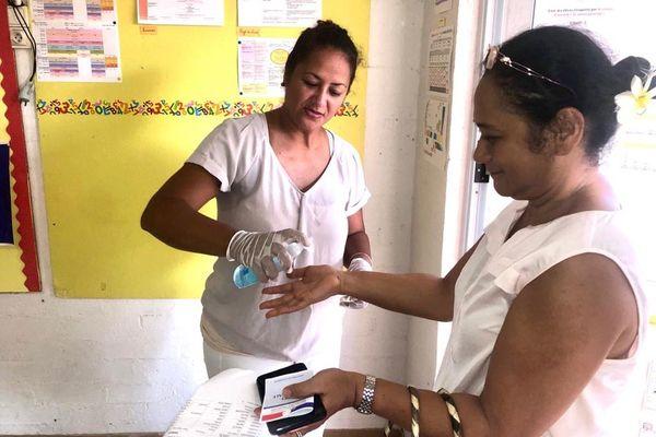 Distribution de gel à Papeete