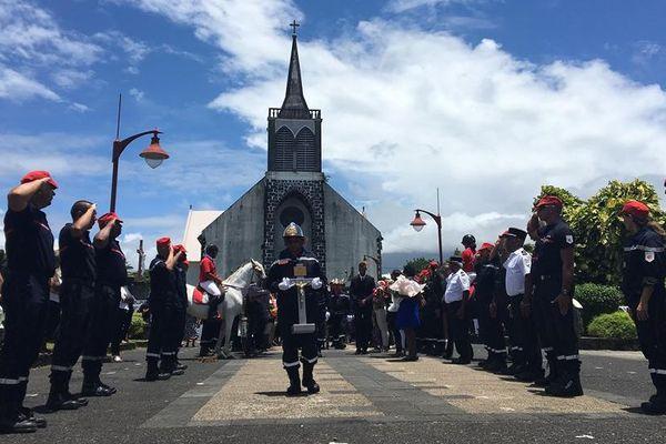 hommage religieux rendu au sergent Eve