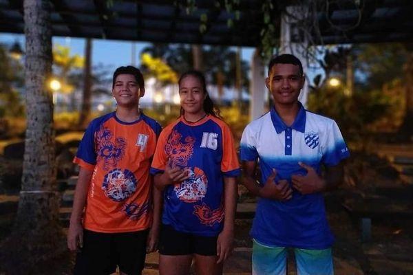 trois jeunes polynésiens handball