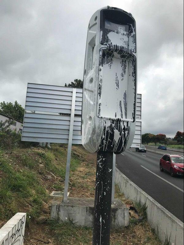 radar tourelle abîmé vandalisé 4 voies Tampon 081220