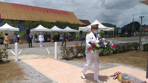 Commémoration de la victoire du 8 Mai 1945 sur le parvis de la mairie de Matoury