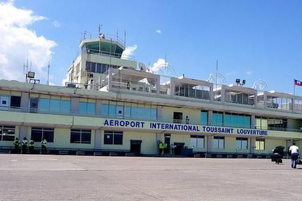 Aéroport Toussaint Louverture de Port au Prince