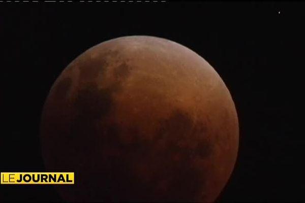 Eclipse de lune : cache-cache céleste