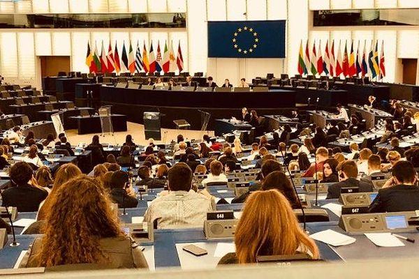 Les élèves de terminale du lycée Emile Letournel au parlement européen