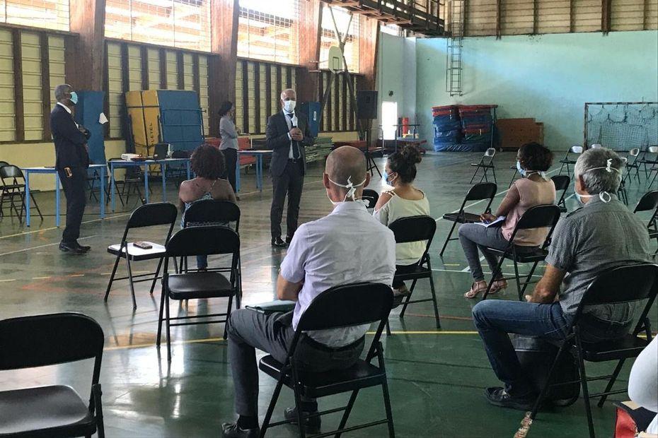Lycée Faustin Fléret : une reprise en douceur des professeurs pour préparer la rentrée des élèves - Guadeloupe la 1ère
