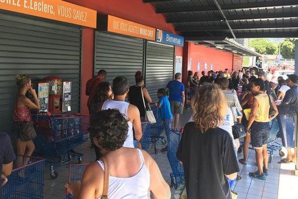 File d'attente supermarché Berguitta