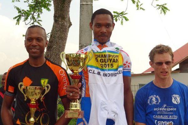 Loïc John champion du CLM 2015