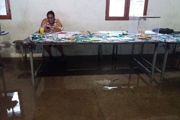 bureau de vote inondé