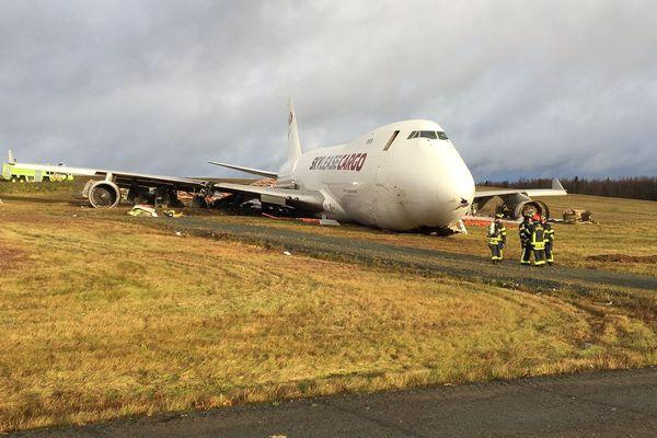 sortie piste avion cargo halifax