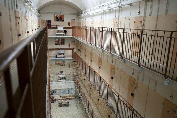 """""""Il y a plus de rats que de détenus"""", alertent les surveillants ultramarins de la prison de Fresnes"""