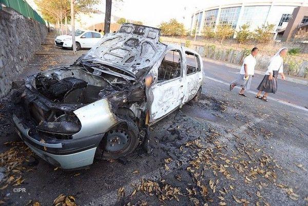 Nuit d'Halloween 2019 voiture incendiée CGSS policiers 311019
