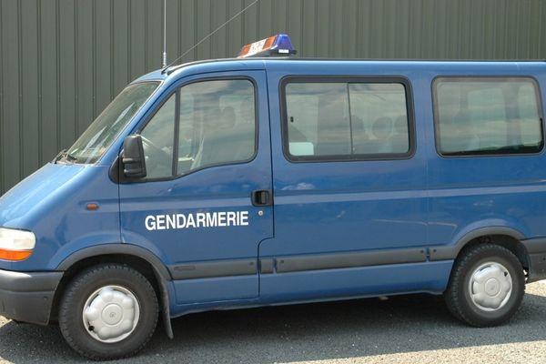 voiture gendarmes