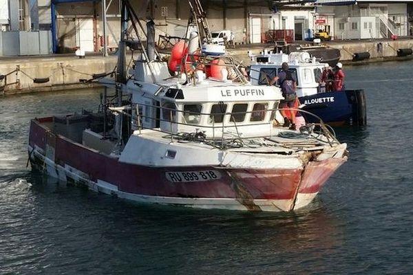 Navire de pêche collision 5 marins secourus