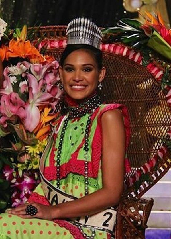 Hinarere Taputu, miss Tahiti 2014^portrait