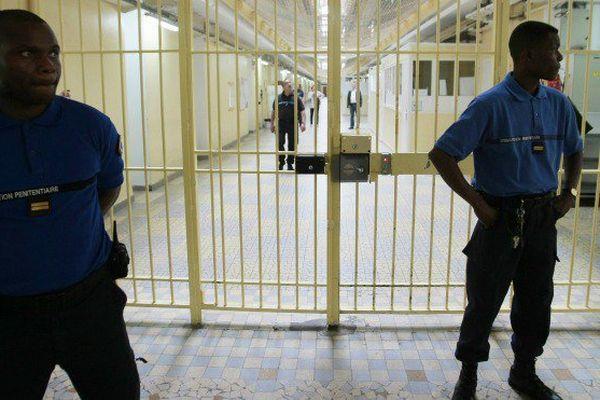 La colère des gardiens de prison après l'attaque terroriste contre leur collègue martiniquais