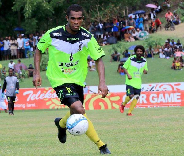 Kevin Nemia, particulièrement adroit contre Tupapa Maraerenga.