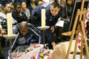 Rassemblement massif à Montrouge en hommage à Clarissa Jean-Philippe