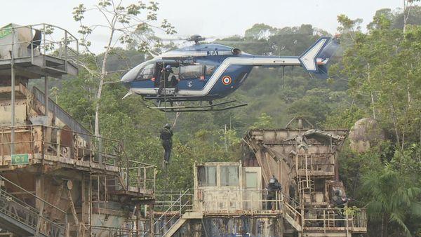 Les cadets de la gendarmerie de Guyane à la manœuvre