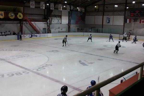 Hockeys : Les Cougars battent les Missiles 5 à 3