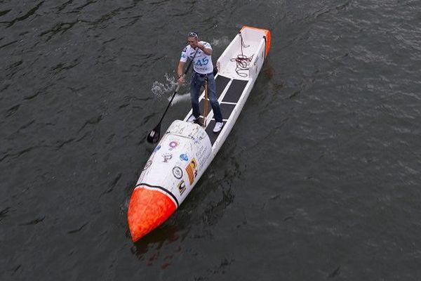 Un Français va tenter la traversée de l'Atlantique en paddle sans assistance