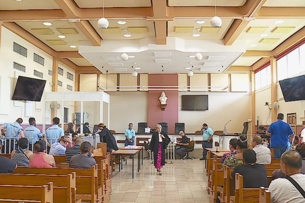 tribunal / salle audience
