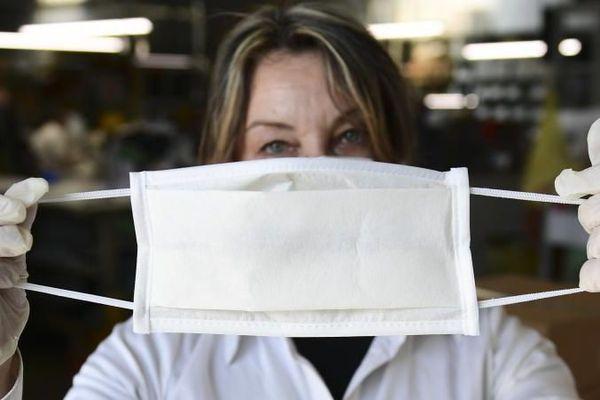 Le port du masque obligatoire dans les établissements recevant du public