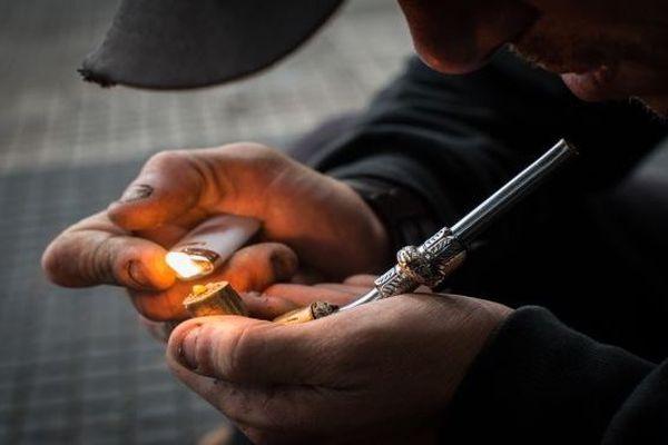 Fumeur de crack - illustration