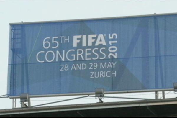 Quatorze haut responsables de la Fifa soupçonnés de corruption