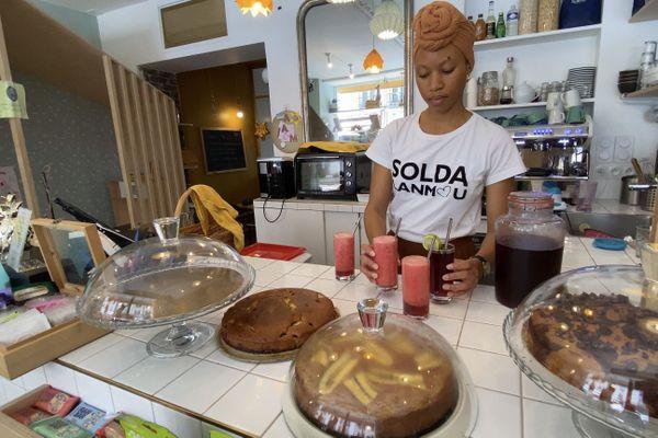 Alicia Makanja explique le concept de l'afro-végétal