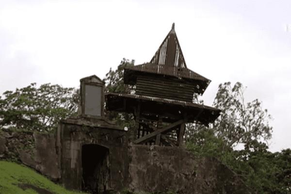 Le beffroi du Fort Cépérou à Cayenne