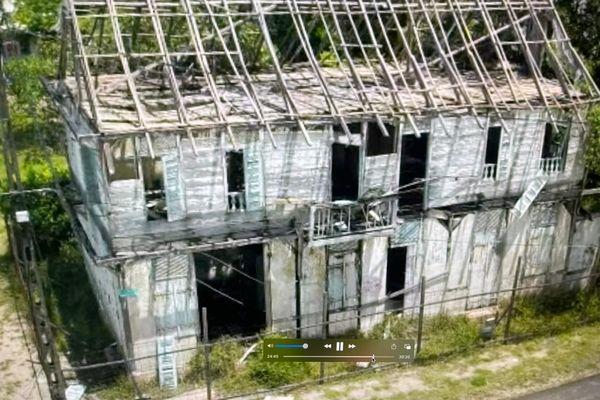 L'ancienne maternité à Mana nécessite une restauration globale afin de reprendre vie