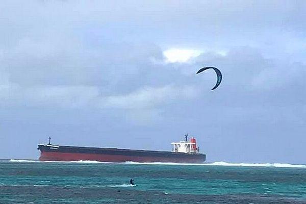 Kitesurfeur à proximité du Wakashio 27 juillet 2020