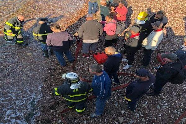 Démonstration d'un exercice anti-incendie par les pompiers