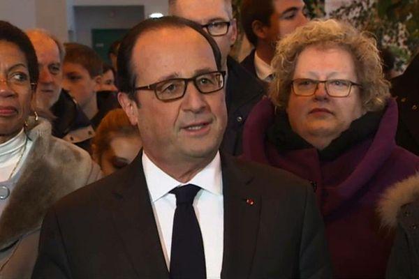 F Hollande à St Pierre