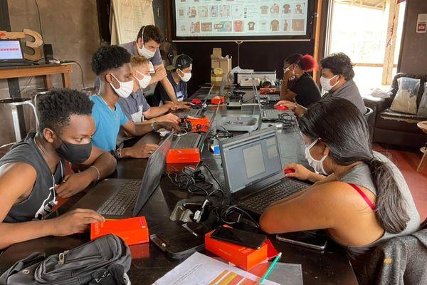 Tremplin numérique formation aux nouvelles technologie assurée par Manifact à Saint-laurent