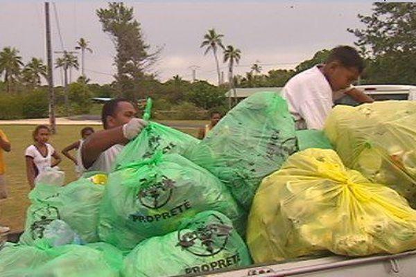 Opération de récolte des déchets à Lifou