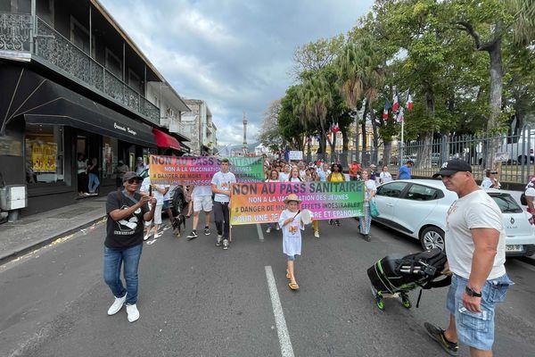 Marche contre le pass sanitaire à Saint-Denis