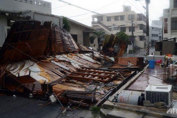 Typhon Neoguri : déjà 2 morts et des dizaines de blessés