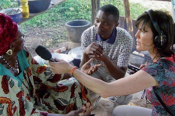 Depuis 7 ans Anne Bonneau pose ses valises en Afrique, en Inde, en Asie, en Océanie...